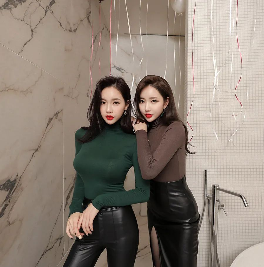 [街拍美女]皮裤和皮裙的冷酷范,在闺蜜之间却少了几分隔阂。